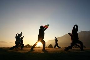 Gro§meister Shi Yan Liang lehrt Qi-Gong im Tiroler Alpenresort Schwarz